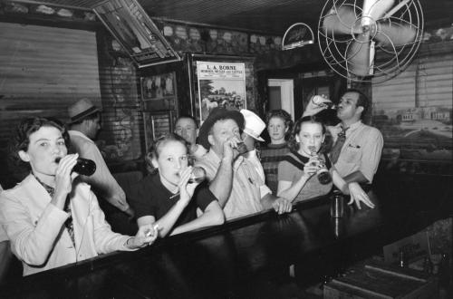 Raceland_Louisiana_Beer_Drinkers_Russell_Lee